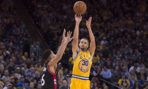 November 17, 2015; Oakland, CA, USA; Golden State Warriors guard Stephen Curry (30) shoots the basketball against Toronto Raptors guard Cory Joseph (6) during the fourth quarter at Oracle Arena. The Warriors defeated the Raptors 115-110. Mandatory Credit: Kyle Terada-USA TODAY Sports ORG XMIT: USATSI-231622 ORIG FILE ID: 20151117_kkt_st3_024.jpg
